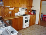 Buffalo Bay Holiday Accommodation - Inn Between Kitchen